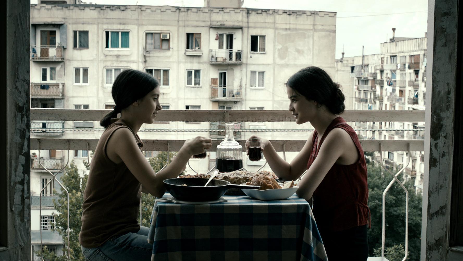 Eka et Natia : le choix et l'arme