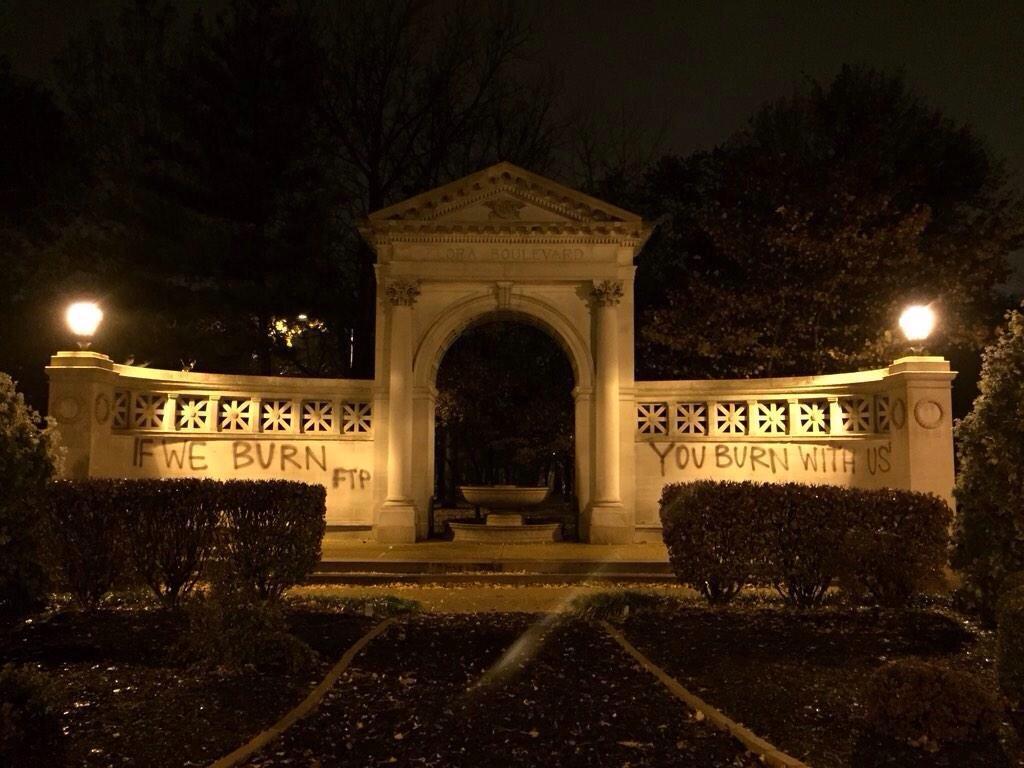 [L'image de l'année] «If we burn, you burn with us !» : de Ferguson à Sivens