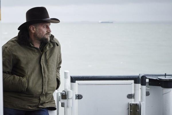 """Le Bugey, France. 12 decembre 2014. Scènes du ferry. Tournage du film """"Les Cow-Boys"""" (réalisateur : Thomas Bidegain). Photo : Antoine Doyen"""