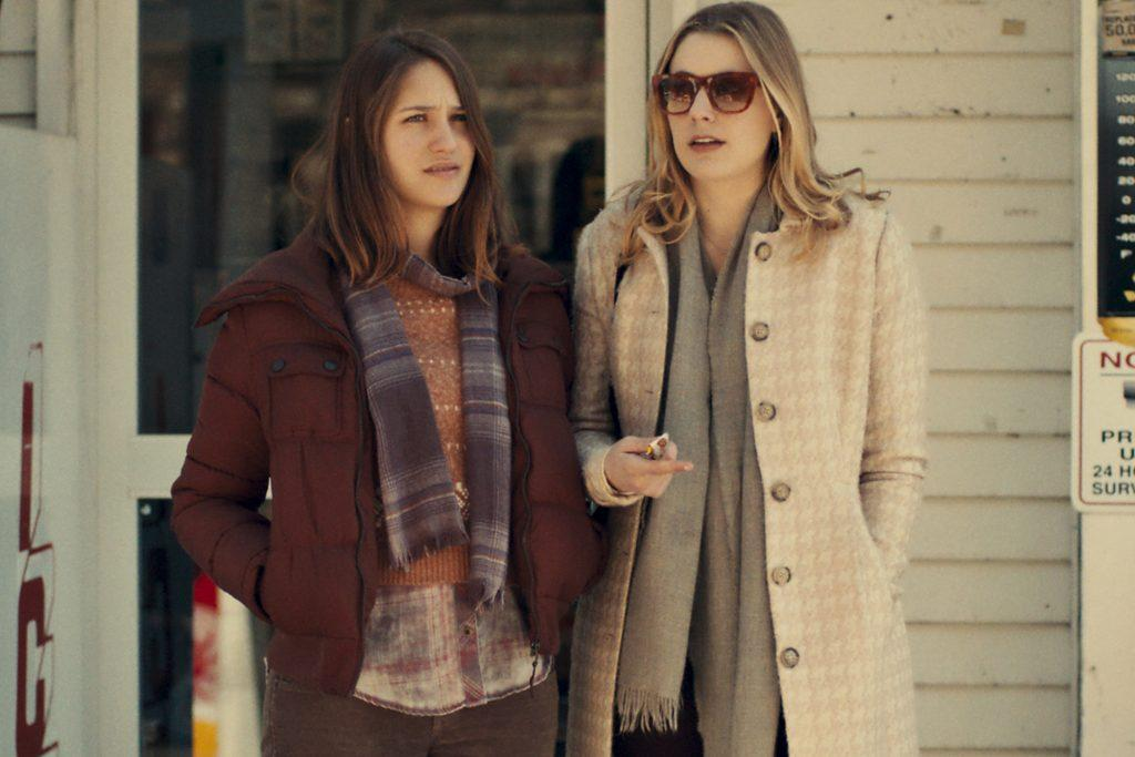"MISTRESS AMERICA - 2015 FILM STILL - Pictured: Lola Kirke as ""Tracy"" and Greta Gerwig as ""Brooke"" - Photo Credit: Fox Searchlight Pictures © 2015 Twentieth Century Fox Film Corporation All Rights Reserved"