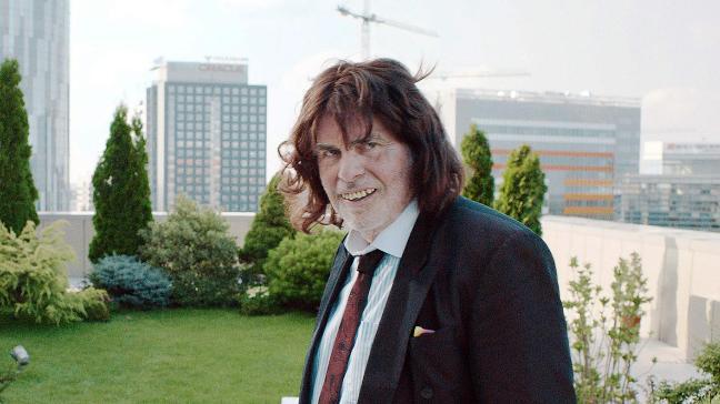 Voici Tony Erdmann, interprété par Winfried. Allez voir le film, vous comprendrez