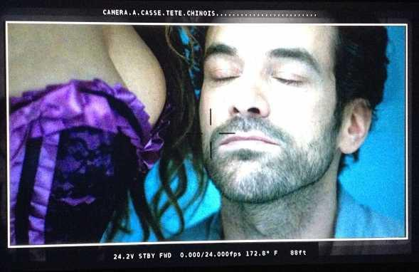 VIDEO-Casse-Tete-Chinois-Romain-Duris-a-une-vie-bien-compliquee_reference