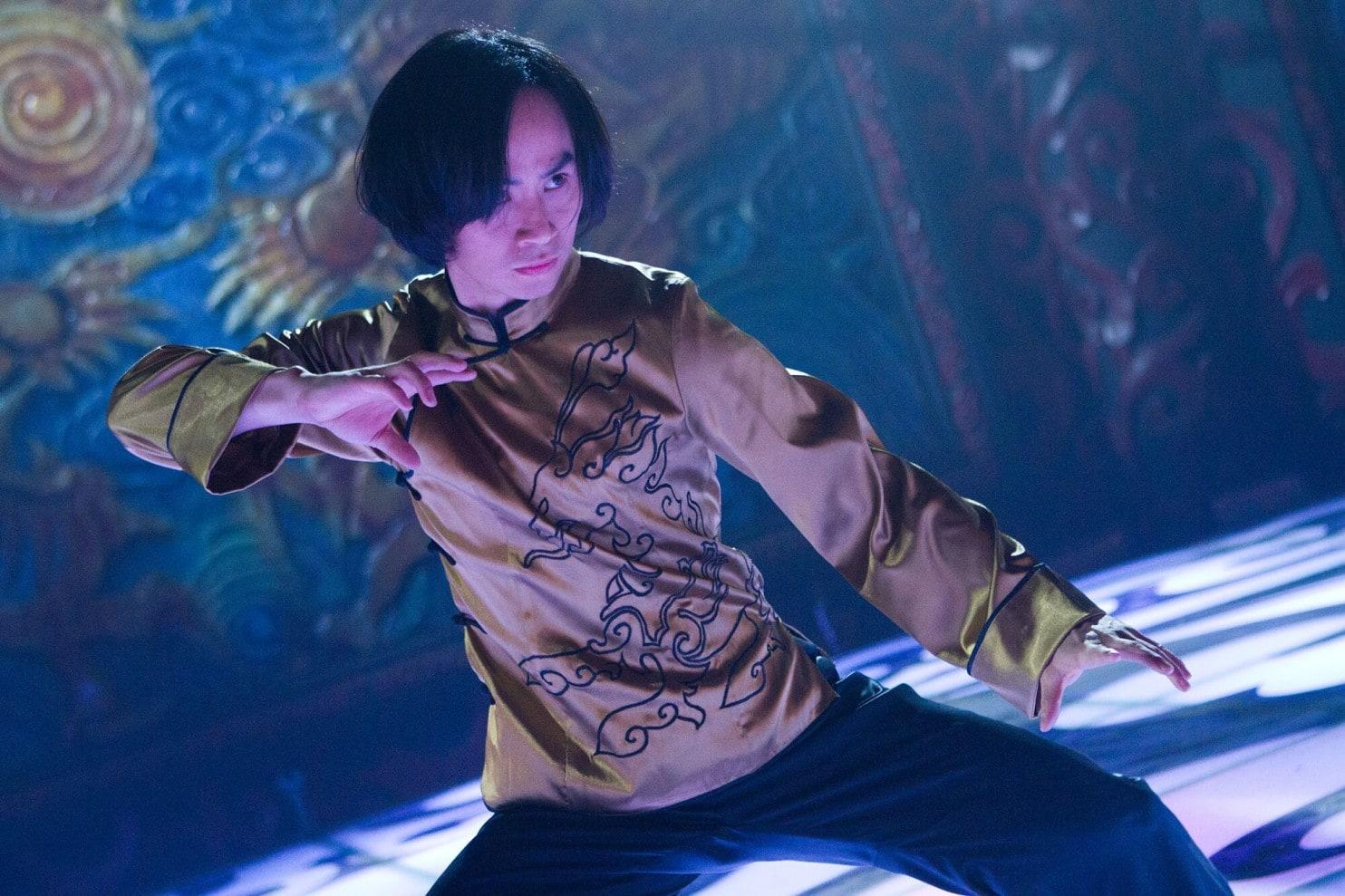 Man of Tai-Chi : Bastons et orientalisme